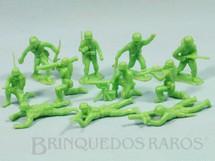 1. Brinquedos antigos - Estrela - Conjunto com 11 Soldados de plástico verde claro Década de 1960