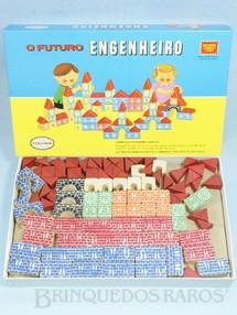 1. Brinquedos antigos - Coluna - Conjunto de Montar O Futuro Engenheiro Caixa Grande 97 peças com impressão em alto relevo Década de 1980