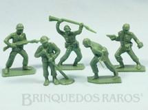 1. Brinquedos antigos - Sem identificação - Conjunto com 5 Soldados de plástico Década de 1980
