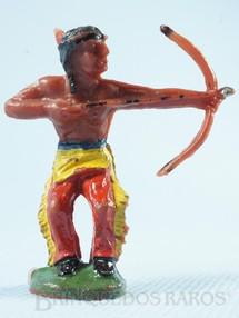 Brinquedos Antigos - Casablanca e Gulliver - Índio de pé atirando com arco e flecha Índio Arqueiro Casablanca numerado 6 Década de 1960
