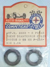 1. Brinquedos antigos - Estrela - Par de pneus dianteiros para carros 1:24 Gravado Autorama Estrela na lateral Embalagem lacrada