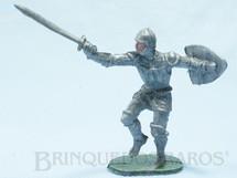 1. Brinquedos antigos - Casablanca e Gulliver - Soldado medieval com Escudo e Espada plástico prata Cópia Elastolin Série Os Cavaleiros do Rei Arthur Ano 1977
