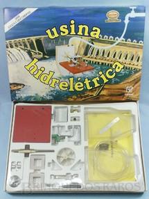 1. Brinquedos antigos - Coluna - Conjunto para montar uma Usina Hidroelétrica Série Jogos e Descobertas Funbec Década de 1980