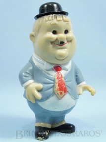1. Brinquedos antigos - Sem identificação - Boneco de Oliver Hardy da dupla O Gordo e o Magro 18,00 cm de altura com Apito levanta o chapéu ao apertar Década de 1970