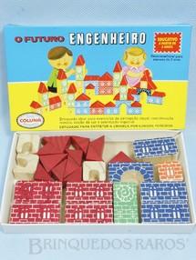 1. Brinquedos antigos - Coluna - Conjunto de Montar O Futuro Engenheiro Caixa Pequena 25 peças com impressão em alto relevo Década de 1980
