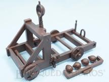 1. Brinquedos antigos - Britains - Catapulta Medieval com 10,00 cm de comprimento Segunda Série Década de 1970