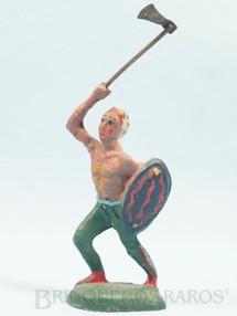 1. Brinquedos antigos - Sem identificação - Índio com escudo e machado Década de 1940