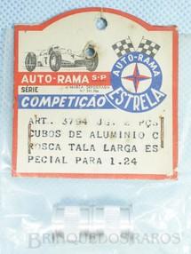 1. Brinquedos antigos - Estrela - Par de cubos traseiros tala larga Rosca Standart Série Competição para carros 1:24 e 1:32 Embalagem lacrada Ano 1968