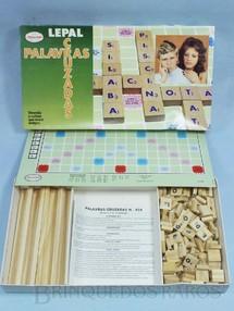 1. Brinquedos antigos - Coluna - Jogo Palavras Cruzadas completo com 120 pedras de madeira Década de 1980