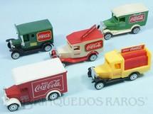 1. Brinquedos antigos - Sem identificação - Coleção completa de 5 Caminhões antigos de Entrega Brinde Coca Cola Década de 1980