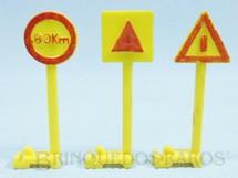 1. Brinquedos antigos - Estrela - Conjunto com 3 Placas de Sinalização com 5,5 cm de altura para Auto-Rama licença Gilbert Ano 1964