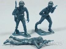 1. Brinquedos antigos - Marx - Conjunto de tres soldados americanos de plástico azul Década de 1960
