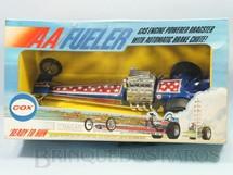 1. Brinquedos antigos - Cox - Dragster Eliminator II com 35,00 cm de comprimento Motor a Gasolina no final do percurso aciona o Para-quedas automaticamente Década de 1970 Caixa Lacrada
