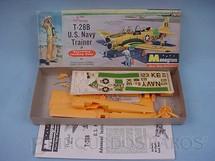 1. Brinquedos antigos - Monogram - Avião T-28B  U.S. Navy  Trainer