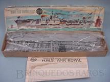 1. Brinquedos antigos - Airfix - Porta Aviões HMS Ark Royal