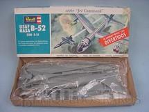 1. Brinquedos antigos - Revell - Avião B 52 da Nasa com  avião X 15