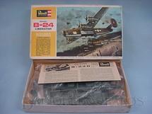 1. Brinquedos antigos - Revell - Avião Convair B 24 Liberator