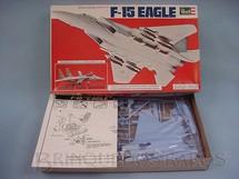 1. Brinquedos antigos - Revell - Avião F-15 Eagle Caixa mole Década de 1980