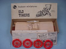 1. Brinquedos antigos - Hudson Miniatures - Carro Old 16 Loco Racer de madeira e plástico Ano 1949