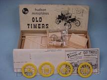 1. Brinquedos antigos - Hudson Miniatures - Carro Packard R 1900, de madeira e plástico. Ano 1949