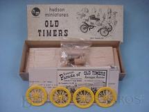 1. Brinquedos antigos - Hudson Miniatures - Carro Rambler 1903 de madeira e plástico Ano 1949