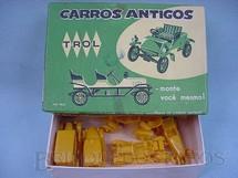 1. Brinquedos antigos - Trol - Conjunto com cinco carros diversos Carros antigos Caixa verde