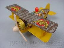 1. Brinquedos antigos - T.T. - Avião biplano de lata e plastico