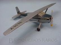 1. Brinquedos antigos - Aero-Brás - Cessna 180 prateado e azul Kit montado Década de 1970