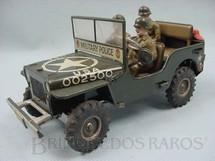 1. Brinquedos antigos - Arnold - Jeep Willys da Força de Ocupação com três soldados de Composition Made in US Zone Década de 1950
