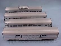 1. Brinquedos antigos - Lionel - Conjunto de quatro Carros de Passageiros de alumínio