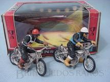 1. Brinquedos antigos - Britains - Conjunto de duas motocicletas Speedway com motociclistas