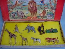 1. Brinquedos antigos - Crescent Toys - Conjunto de Animais Selvagens com 8 figuras