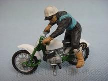 1. Brinquedos antigos - Britains - Motocicleta Cross verde e branca com motociclista