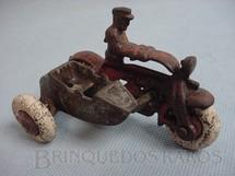 1. Brinquedos antigos - Hubley - Motocicleta com Side Car com 8,00 cm de comprimento Década de 1920