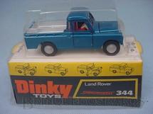 1. Brinquedos antigos - Dinky Toys - Land Rover Pick Up azul metálico Década de 1970