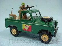 Brinquedos Antigos - Britains - Land Rover com metralhadora e dois soldados Década de 1970