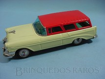 1. Brinquedos antigos - Bandai - Perua Chevrolet Nomand Station Wagon 1956 com 25,00 cm de comprimento Década de 1960