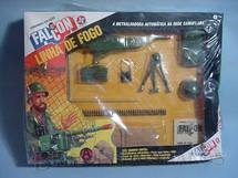1. Brinquedos antigos - Estrela - Falcon Aventura Linha de Fogo Metralhadora na Rede Camuflada completa com 9 itens Edição 1978