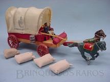 1. Brinquedos antigos - Fanabri - Carroça do Exército Brasileiro 1º Regimento de Artilharia Batalha do Tuiutí com 4 Sacos de Aniagem e Cocheiro Década de 1960
