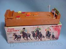 1. Brinquedos antigos - Bandai - Corrida de Cavalos The Derby com 30,00 cm de comprimento Década de 1970