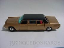 1. Brinquedos antigos - Corgi Toys - Lincoln Continental Limousine completo com 3 telas de TV