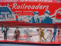 1. Brinquedos antigos - Lincoln Logs - Conjunto completo com 7 peças Passageiros e Operários Ferroviários Década de 1950