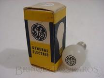 1. Brinquedos antigos - Sem identificação - Miniatura de lâmpada GE Brinde General Eletric 4,00 cm de altura com caixa