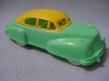 1. Brinquedos antigos - Trol - Carro Sedan com 22,00 cm de comprimento Década de 1950