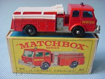 1. Brinquedos antigos - Matchbox - Fire Pumper Truck black plastic Regular Wheels