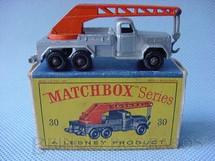 1. Brinquedos antigos - Matchbox - Guindaste Magirus Deutz Six Wheel Crane Truck black plastic Regular Wheels