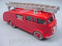 1. Brinquedos antigos - Dinky Toys - Caminhão Fire Engine com escadas