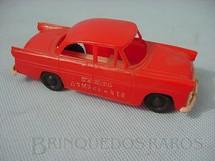 1. Brinquedos antigos - Piloto - Carro Sedan Comandante Bombeiros com 10,00 cm de comprimento Década de 1950