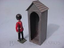 1. Brinquedos antigos - Britains - Guarda da Rainha com  guarita