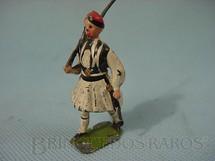 1. Brinquedos antigos - Britains - Soldado Grego marchando com fuzil Década de 1950